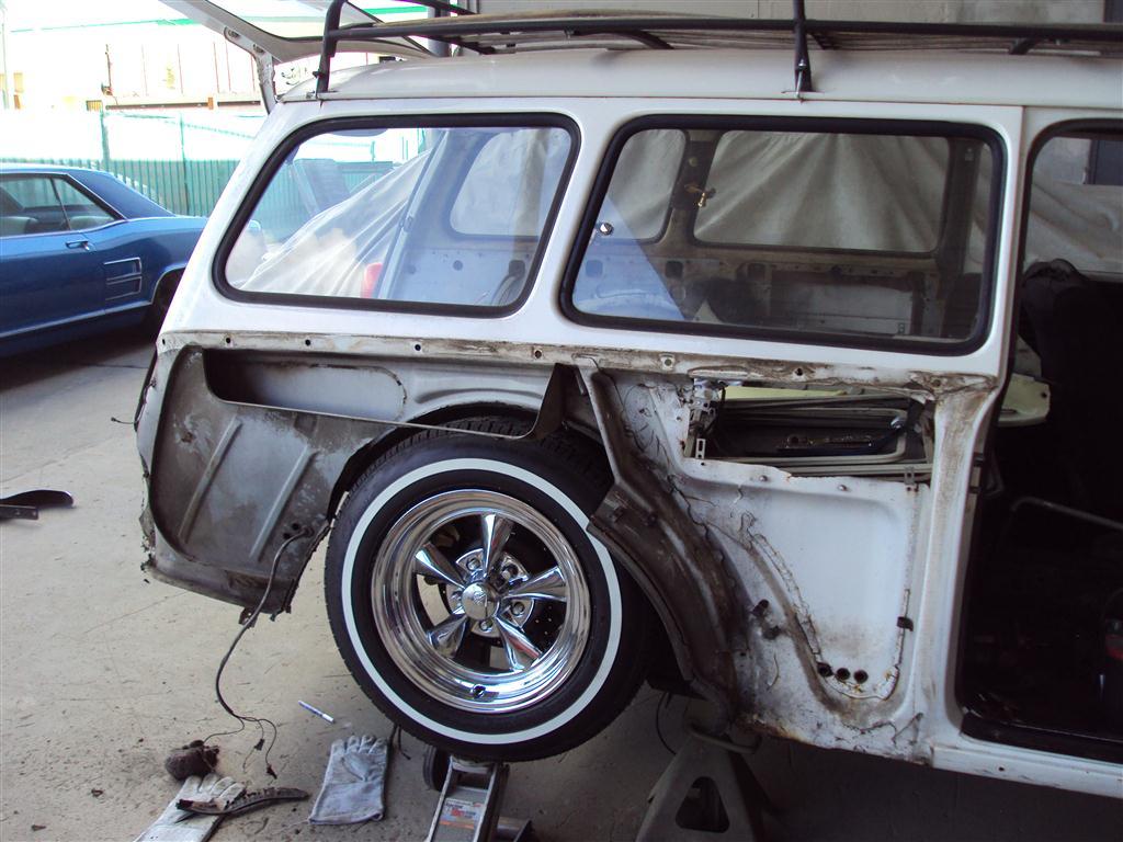 1966 VW Squareback - Yaril's Customs
