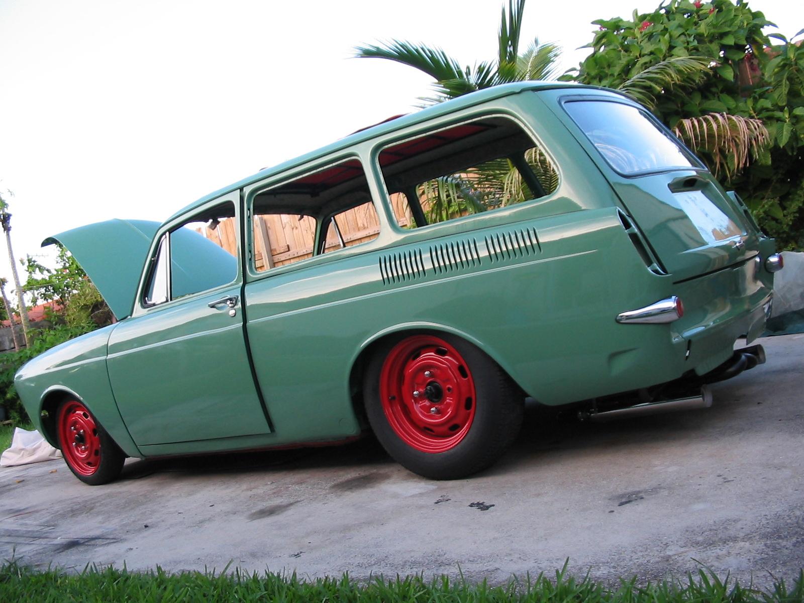 1967 VW Squareback - Yaril's Customs